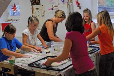 Scuola media Montessori di Rohrdorf (Germania): la lavorazione del feltro